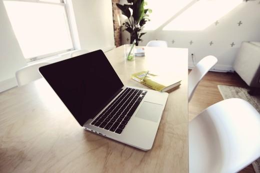 macbook-2617344_1280 (1)