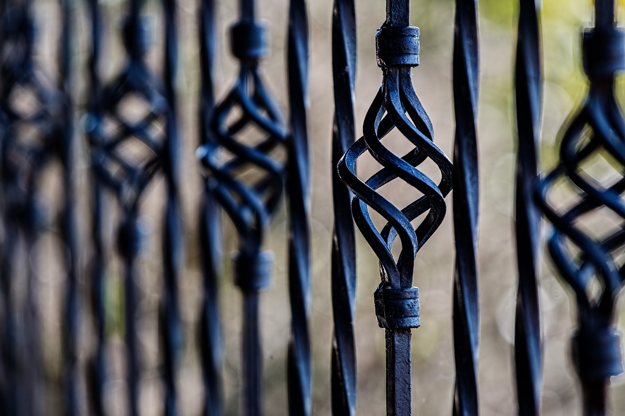 fence-450670_1280