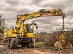 excavators-1212472_1280