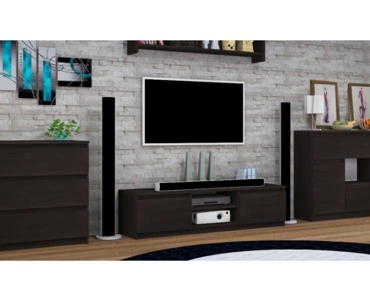 televizni-stolek-otevrene-police-zasuvky-800x650