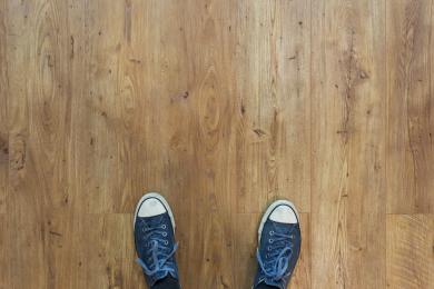 parni-cistic-na-podlahu